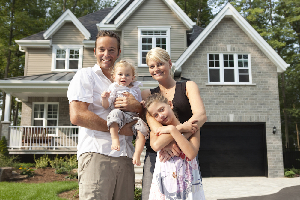 A family who has homeowners insurance in Lincoln, NE